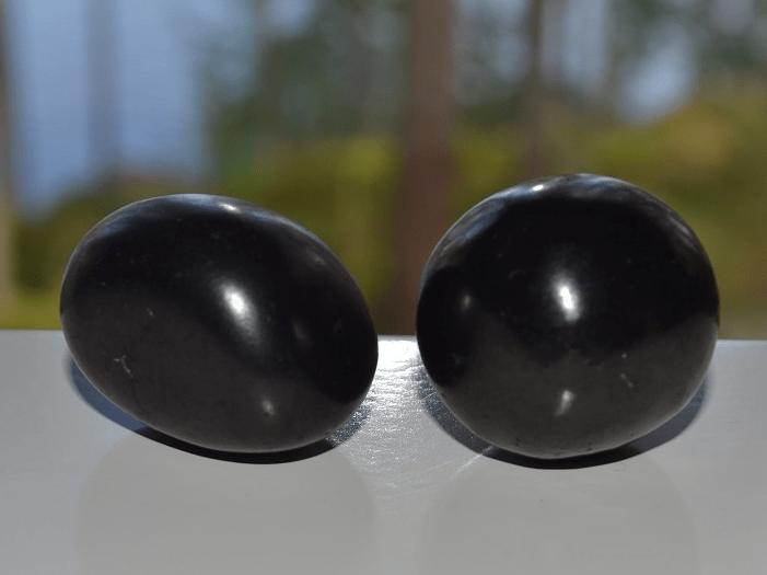 Shungiitti on maadoittava kivi.