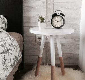 Makuuhuone kannattaa pimentää, herätys samaan aikaan, käytä tarvittaessa herätyskelloa