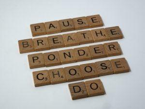 Pysähdy, hengitä, mietiskele, valitse ja toimi