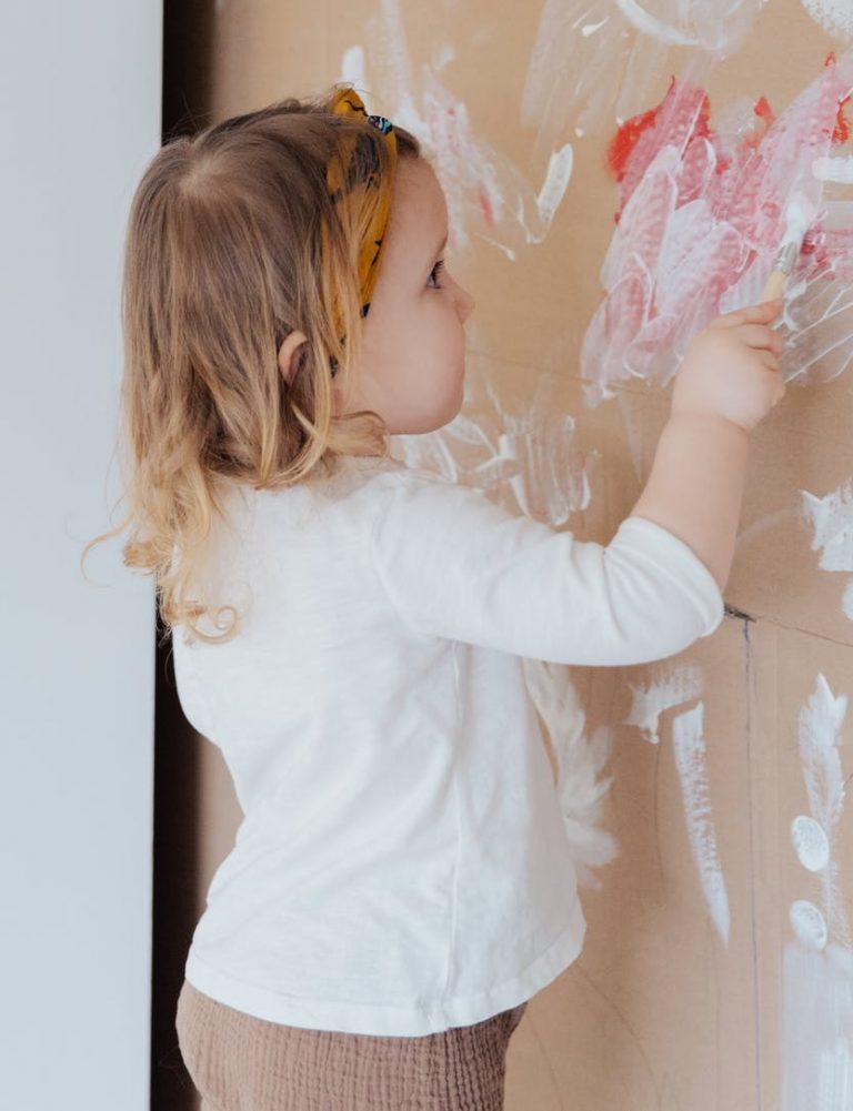 lapset maalaavat mielellään